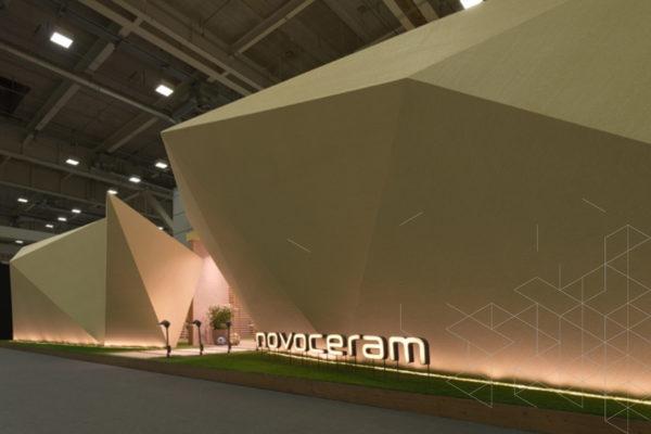 طراحی غرفه و ساخت غرفه برتر شرکت Novoceram در نمایشگاه Cersaie ٢٠١٧ بولونیا- ایتالیا